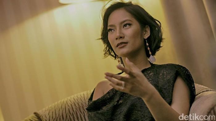 Tara Basro saat wawancara untuk COTM.