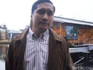 Pandangan Arie Untung Usai Posting Orang Salat Berlarian saat Gempa