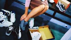 Bagi pemula yang ingin mencoba olahraga lari, salah satu modal yang diperlukan adalah sepatu. Apa saja yang harus diperhatikan saat ingin memilih sepatu lari?