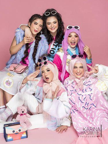 Foto: Ketika Natasha Rizki Hingga Adik Zaskia Adya Mecca Jadi 'Barbie'