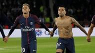 Bela Neymar, Dani Alves: Kritik Cuma Senjata untuk yang Lemah