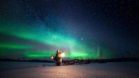 Aurora di Alaska utara bagian dari Greenland, Skandinavia utara dan Skotlandia Utara
