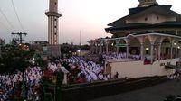 Warga menggelar doa bersama
