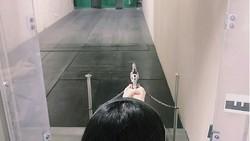 Menembak merupakan salah satu olahraga yang memacu adrenalin. Nah, ternyata olahraga ini juga digeluti oleh Sulli, eks member girlband f(x).