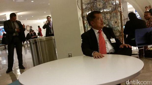 Wapres JK di kantin milik PBB.