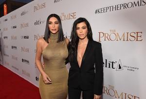 Waduh, Kim Kardashian Pernah Minum ASI Kourtney Kardashian!