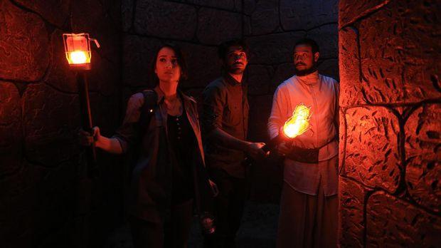 Tiga pemeran utama di Gerbang Neraka.