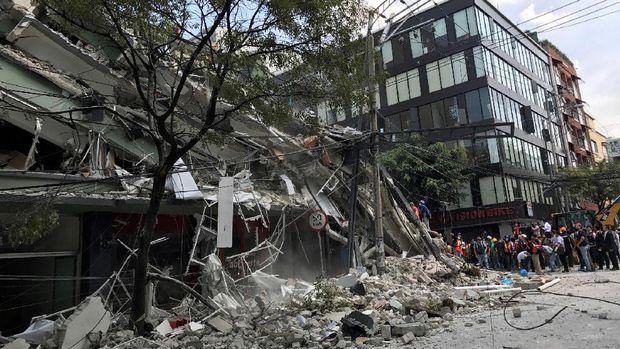 Kerusakan akibat gempa 7,1 SR di Meksiko