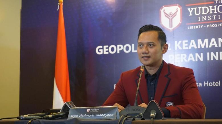 AHY: Kalau Mau Berpolitik, Mundur dari TNI