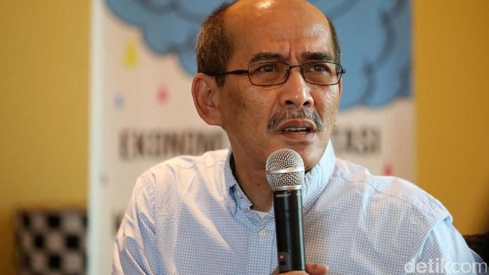 Sejumlah pakar hadir dalam diskusi yang digekar di Jakarta. Pengamat Ekonomi Faisal Basri mengatakan bahwa saat ini daya beli nasional tidak turun.