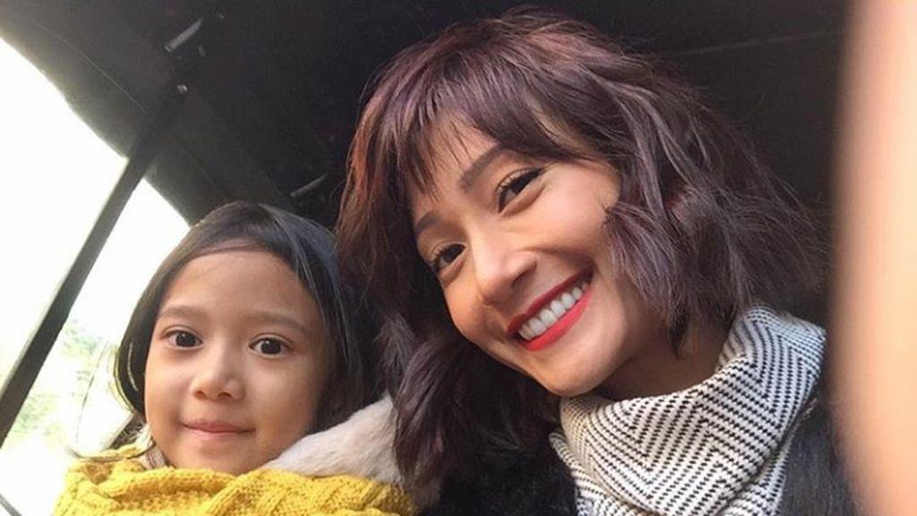 Anak Bungsu Artika Sari Devi Alami Gangguan Ekspresi