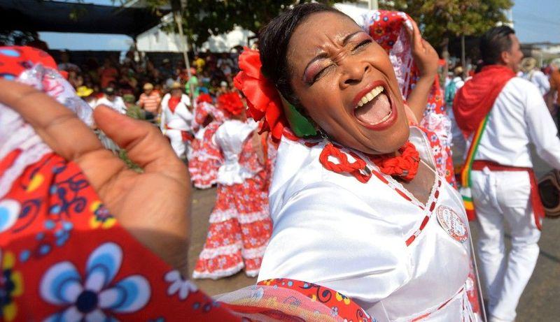 Karnaval Barranquilla rasanya masih terdengar asing di telinga turis. Namun bagi masyarakat Kolombia, karnaval ini diklaim sebagai terbesar kedua di Amerika Latin setelah Festival Rio de Janeiro di Negeri Samba, Brasil (CNN Travel)
