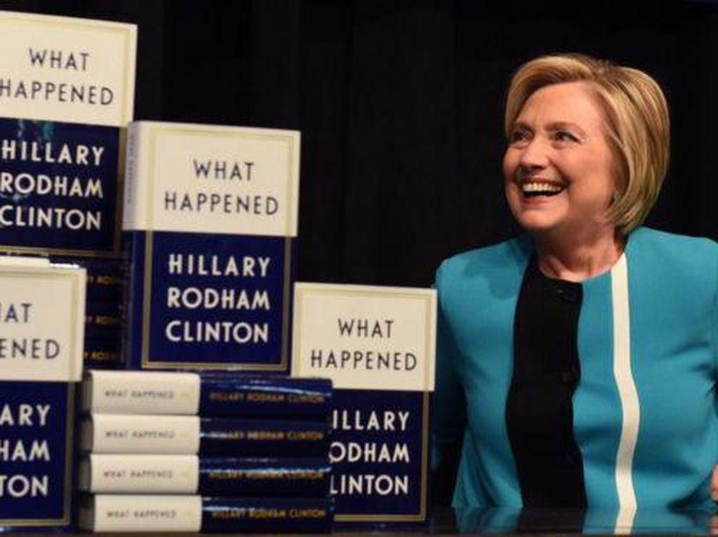 Hillary Clinton Ingin Jadi CEO Facebook