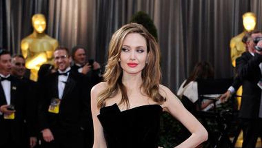 Angelina Jolie akan Isi Suara Film Disney The One and Only Ivan
