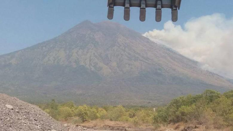Karakter Erupsi Gunung Agung Disebut Lebih Besar dari Merapi di 2010