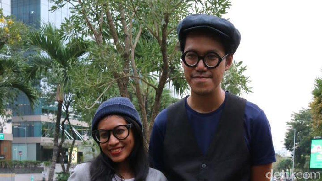 Bruk! Endah N Rhesa Jatuh Saat Penuhi Janji Bersepeda ke Synchronize Fest 2017