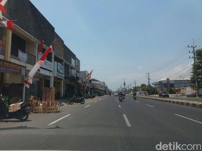 Buang Uang Curian di Jalan Raya, Warga Jember Diamankan Polisi