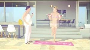 Instrukturnya Sampai Tertawa, Begini Tingkah Kate Hudson Saat Olahraga