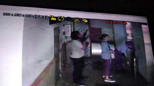 Jejak Peri terekam CCTV.
