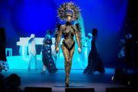 Bangga! Desainer Indonesia Rinaldy Yunardi Raih Penghargaan Fashion Dunia