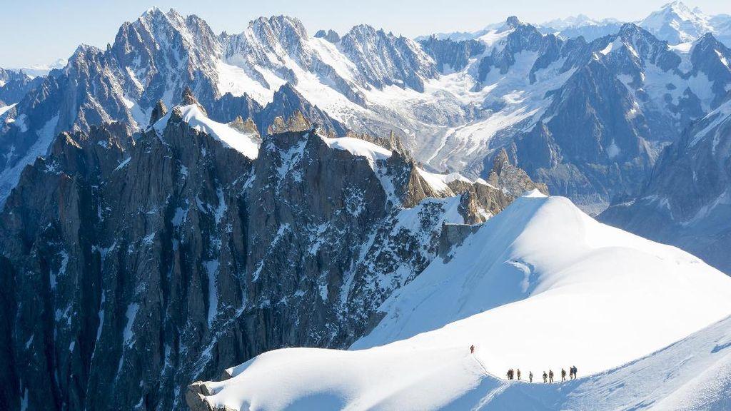 Gila, Pesawat Mendarat di Puncak Gunung Mont Blanc