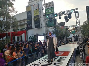 Sambut HUT Bandung, Jalan Braga Disulap Jadi <i>Catwalk</i>