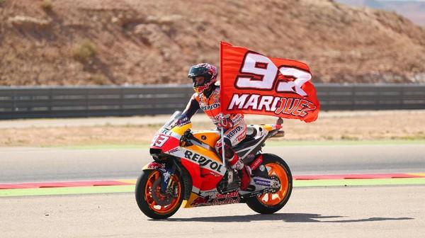 Duel Marquez vs Lorenzo di GP Aragon