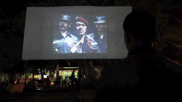 Film G30S/PKI jadi justifikasi pelarangan komunisme dan pengekangan keturunannya di era Orde Baru.