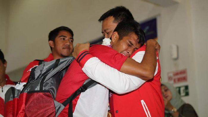 Kontingen Indonesia yang tampil di ASEAN Para Games 2017 tiba di tanah air pada Minggu (24/9/2017) di Bandara Adi Soemarmo, Boyolali, Jawa Tengah (dok. Humas Kemenpora)