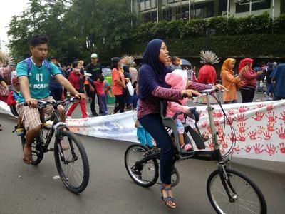 Kring kring! Serunya Sepedaan di <I>Car Free Day</I> Jakarta