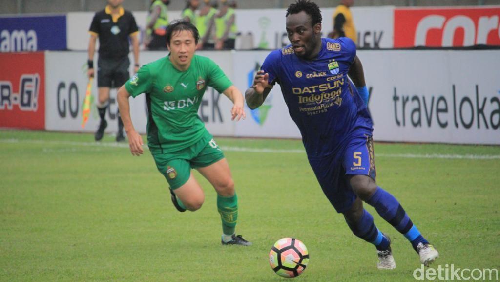 Gol Essien Selamatkan Persib dari Kekalahan di Kandang
