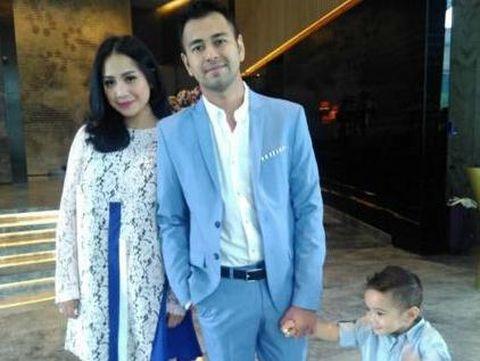 Cucu Ganteng Soeharto Lamar Pacar, Nikita Mirzani Nyaris Bugil Lagi