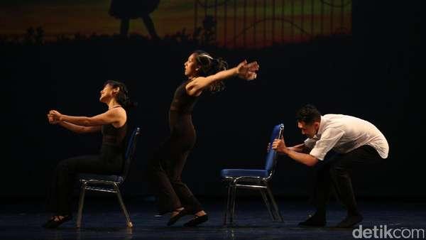 Aksi Penari Lintas Negara di Panggung Balet Indonesia
