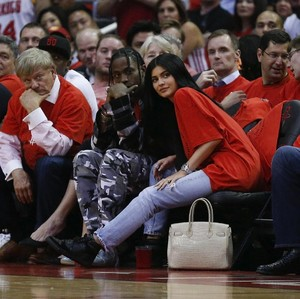So Sweet, Kylie Jenner Dapat Kado Natal Rolls-Royce Rp 4 M dari Pacar