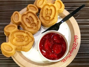Waffle Mickey, <i>Turkey Leg</i> hingga Cronut, Camilan Ikonik dari Disney World