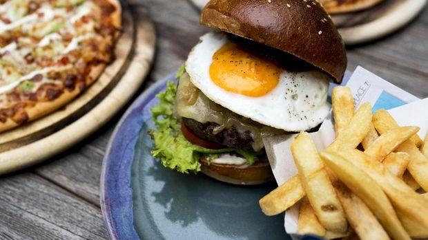 Burger bisa dikreasikan sedemikian rupa dan menjadi burger termahal dunia