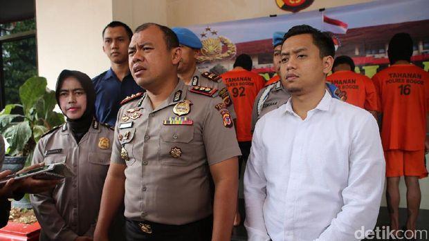 Kapolres Bogor AKBP AM Dicky Pastika Gading memberikan keterangan pers