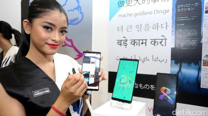 Ponsel Samsung. Foto: detikINET/Ari Saputra
