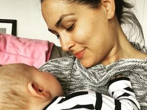 Cara Seorang Ibu Menerima Perubahan Tubuhnya Setelah Melahirkan