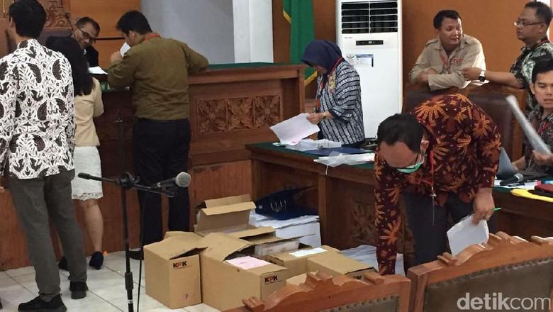 KPK akan Hadirkan 2 Ahli Hukum di Sidang Praperadilan Novanto
