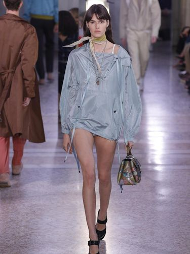 Soft Sequin sampai Pantless, Simak 8 Tren Busana di Milan Fashion Week
