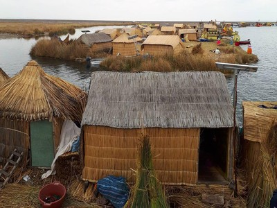Uniknya Desa Terapung di Atas Danau Titicaca