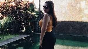Pose Sensual Audrey Calcia di Ranjang