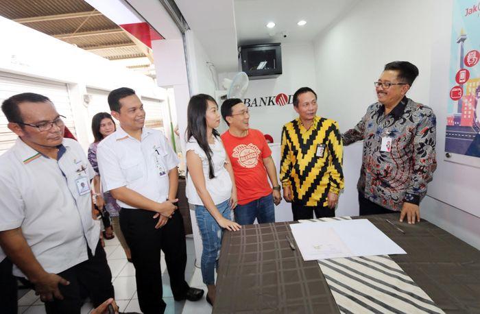 Yang terbaru adalah membuka kantor kas di Pasar Bata Putih, Pasar Kalibaru, dan Kantor Kas Summarecon Tangerang. Foto: dok. Bank DKI