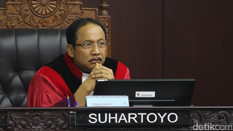 Hakim MK Ogah Turuti Permintaan BW yang Minta Saksi Tak Dibatasi