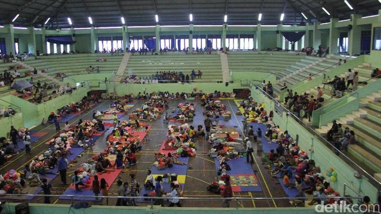 5.661 Pengungsi Gunung Agung Sakit dan 1 Orang Meninggal