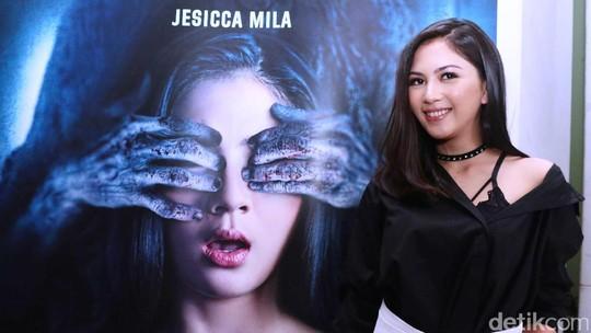 Tatapan Jessica Mila Bikin Deg-Degan