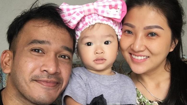 Kebersamaan Sarwendah dan keluarganya/ Foto: Instagram @ruben_onsu