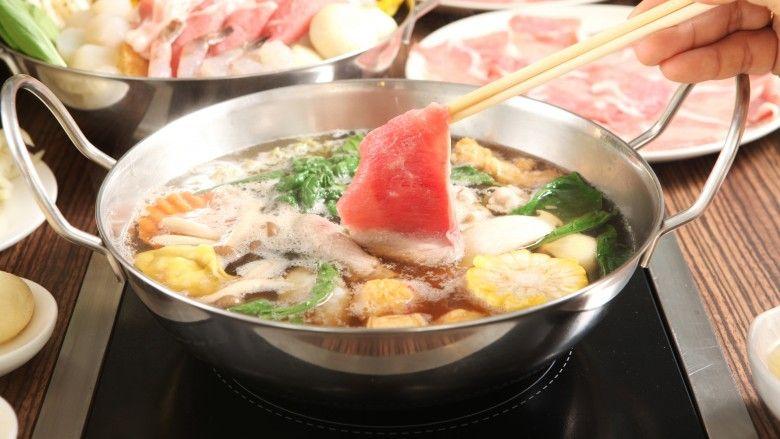 Tim Medis Corona di China Dapat Gratis Makan Hot Pot Setahun