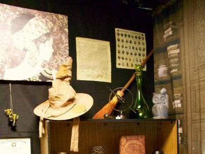 Foto: Isi Ruang Kelas yang Berubah Jadi Sekolah Harry Potter